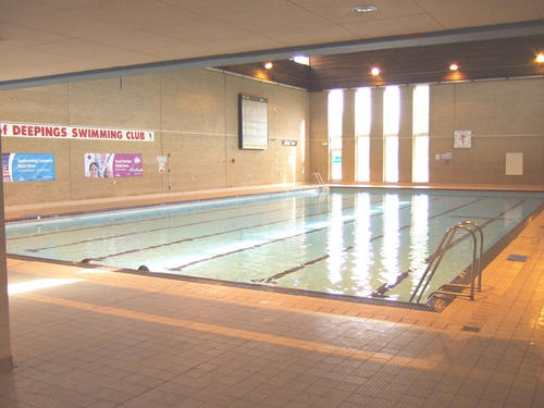 Deepings leisure centre for Park road swimming pool opening times